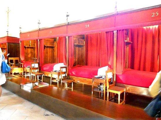 Musée de l'Hôtel-Dieu : Les lits