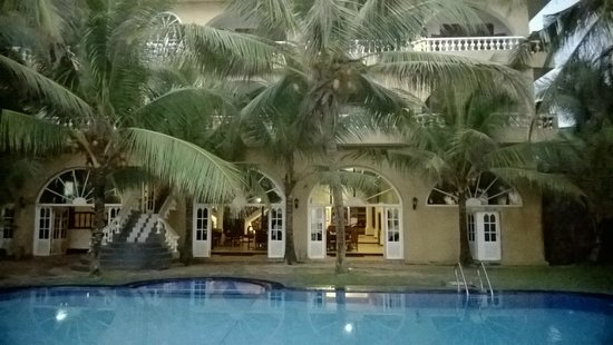 Royal Beach Resort: Бассейн