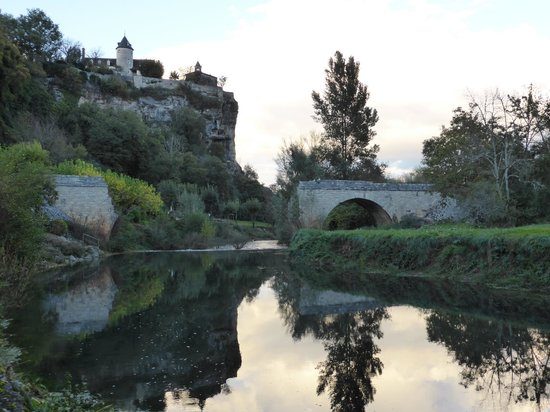 Le Pont de l'Ouysse: at the footpath nearby