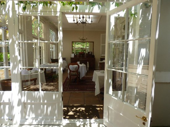 River Manor Boutique Hotel : Breakfast room