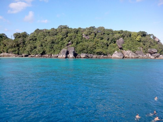 South Siam Divers: Similan island n°9 - view from the boat