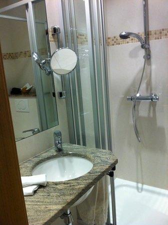 Gourmet-Hotel Zur Post: Salle de bains