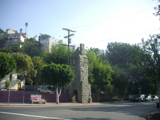 Hollywood Hills : На Голливудских холмах