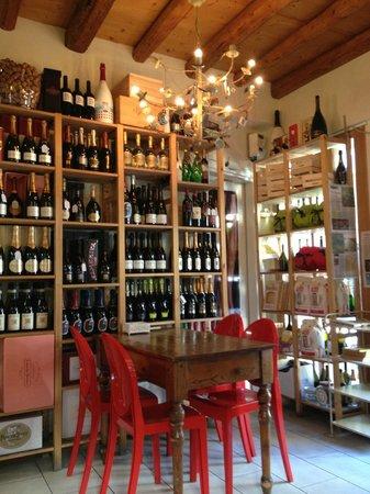 Bar Alpino: Scaffali