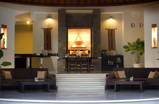 The Kunja Villas & Spa: Living Area 2