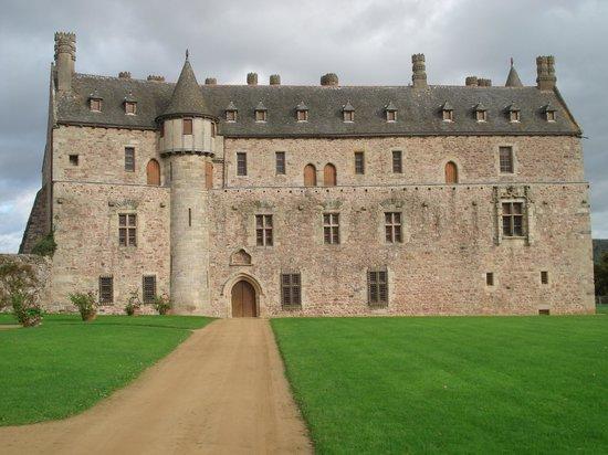 Château de la Roche-Jagu : Vue de face du château