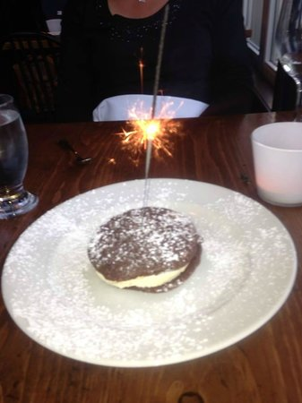 Trattoria Azzurra: Cookie Ice Cream Birthday Sandwich
