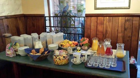Llanerchindda Farm: breakfast part 2