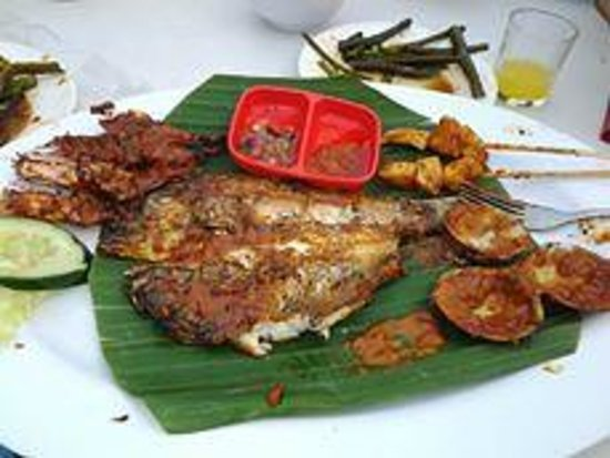 Romantic Dinner in Jimbaran Bay: seafood plate - fish, prawn, clam, sotong ...