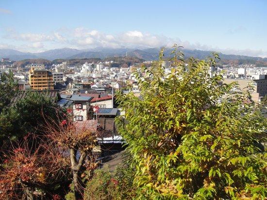 Hakuun: 旅館からの高山市街景観