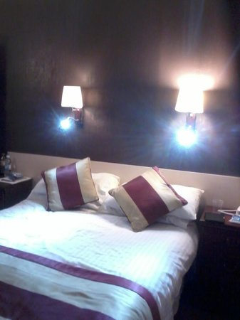 Barrowfield Hotel: Bed Room