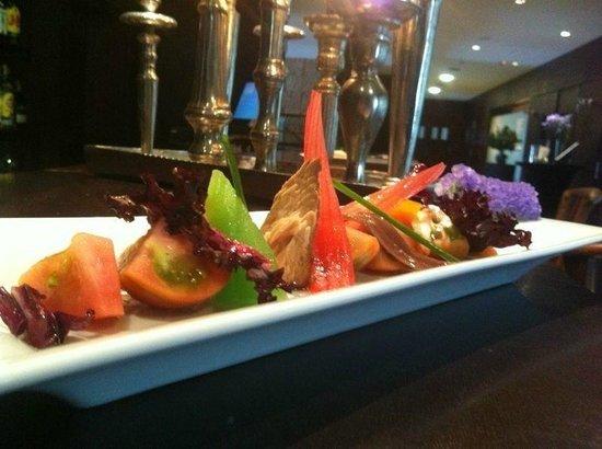 Hotel Swiss Moraira : Comiendo en el restaurante del hotel.