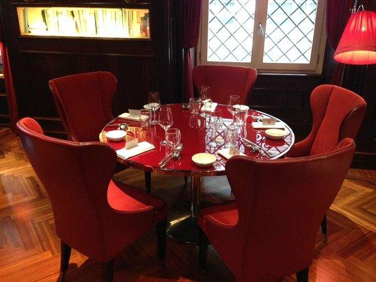 Aleph Hotel Rome: Le top Mobilier du restaurant, je veux la même !!!