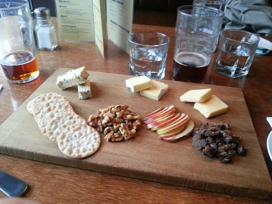 Brazz Steakhouse & Bar: A tasting of NZ cheese to finish de dinner