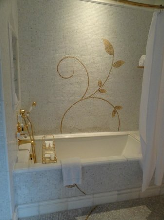 The Plaza: Bathtub