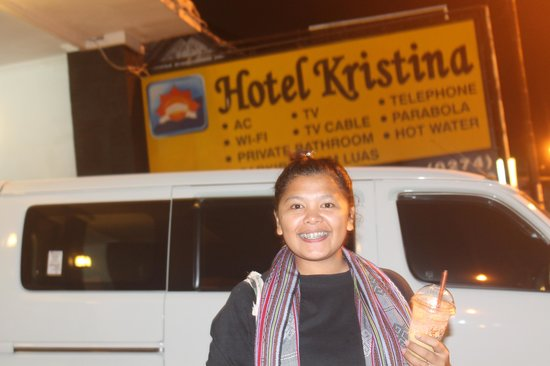 Kristina Hotel: Depan Hotel Kristina... *MalamTerakhir...