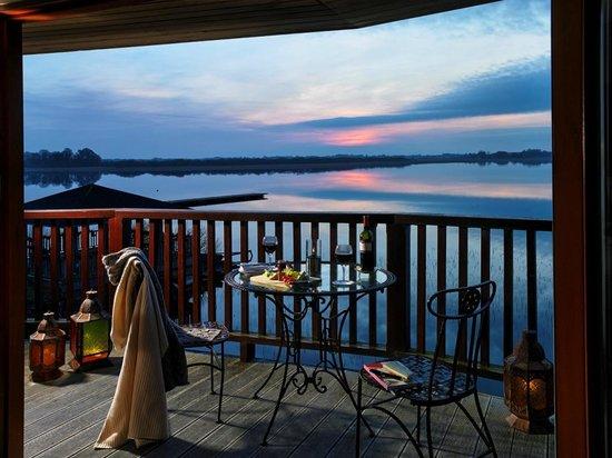 Wineport Lodge: Bedroom suite balcony
