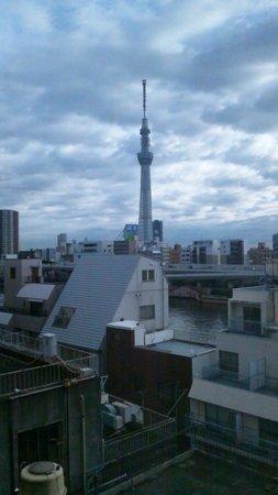 APA Hotel Asakusa Kuramae : 部屋から見えるスカイツリー