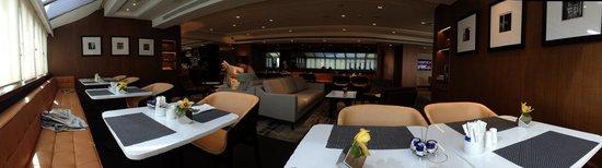 Hilton Singapore: ラウンジ