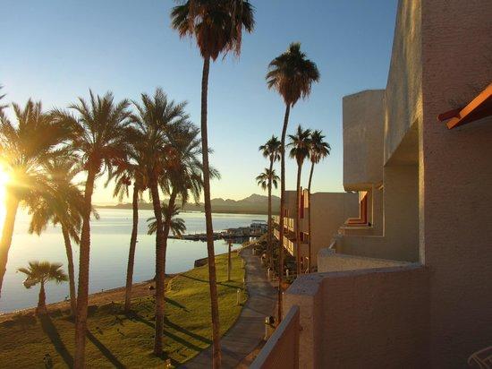 The Nautical Beachfront Resort: vue du balcon