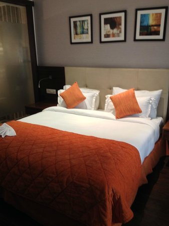 The Golden Palms Hotel & Spa: Comfort Bed