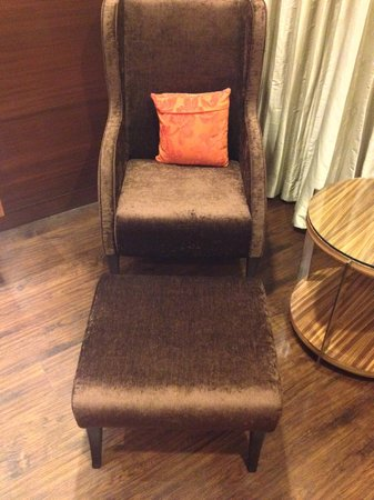 """The Golden Palms Hotel & Spa: Comfort sofa or I would say my """"Throne"""""""