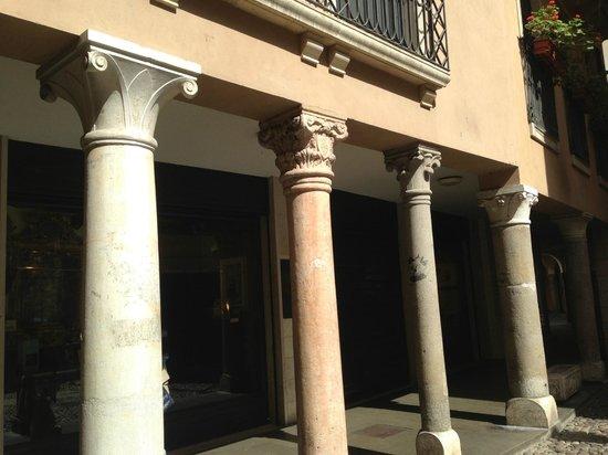 Quartiere dell'Antico Ghetto Ebraico di Padova: Ghetto columns