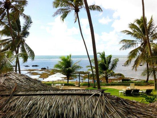 Hotel-Pousada Porto da Lua: Piscinas naturais vistas do quarto, com a maré baixa.