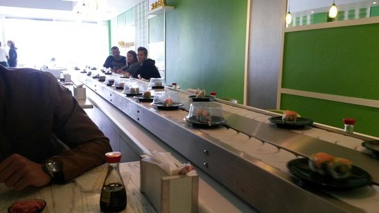 Bamboo Sushi Lounge : Great tasting sushi!! Great company! R89 ALL u can eat lunch!