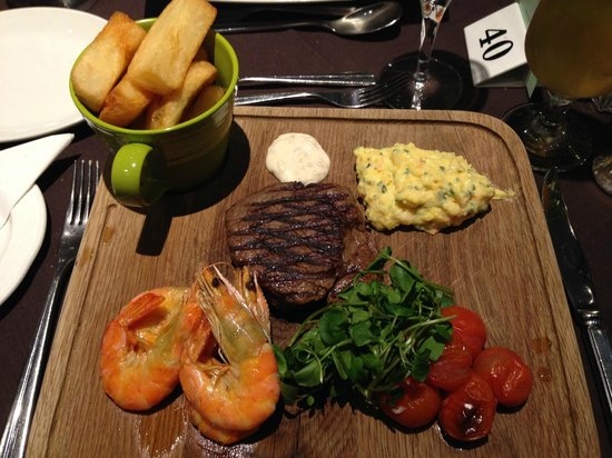 Treglos Hotel: Surf and Turf