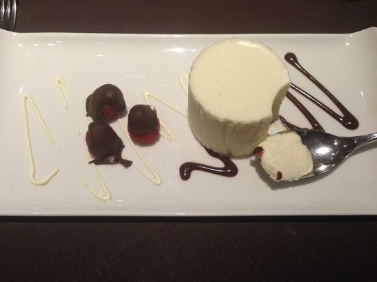 Treglos Hotel: White Chocolate Mouse