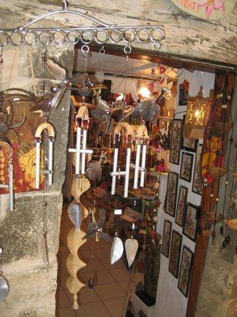 Tourrettes-sur-Loup - Village Medieval : shops
