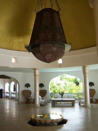 Swahili Beach Resort: Central lobby