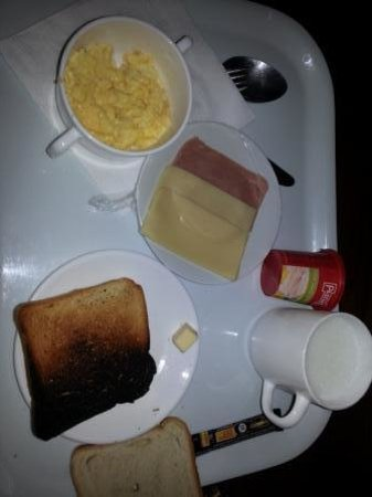 Vertice Paine Grande Mountain Shelter: Frühstück