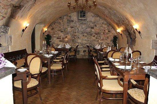 Schaloen Castle: Gewelven Restaurant Schaloen