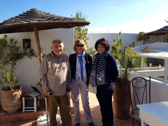 Riad les Orangers d'Alilia Marrakech: La visite avec Jacques sur la terrasse d'Alilia 1