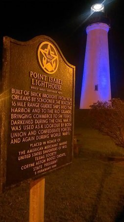 Port Isabel Lighthouse : Lighthouse at night