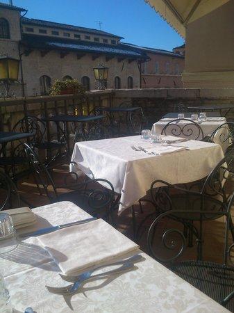 """Ristorante """"Taverna dei Consoli"""": la terrazza"""