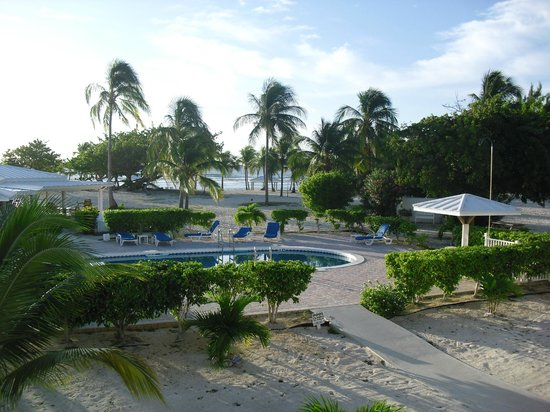 Cayman Brac Beach Resort: View from room 204