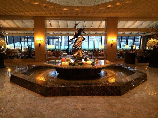 The Ritz-Carlton, Chicago: Lobby