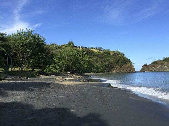 Ocotal Beach Resort : Resort view from beach