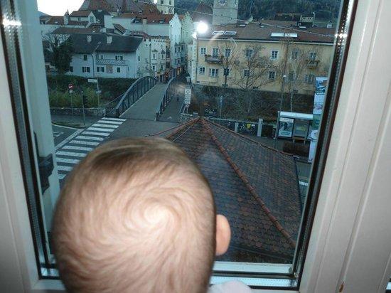 Hotel Grüner Baum: Martina in finestra
