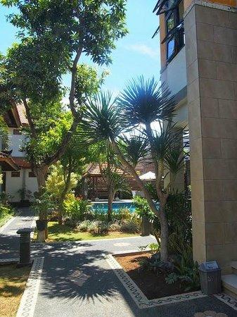 Sandat Hotel Legian: Pool Area