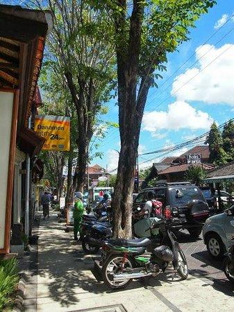 Sandat Hotel Legian: Jl Legian