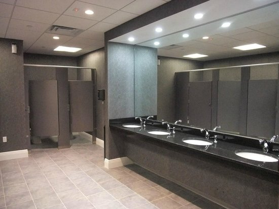 Mayo Performing Arts Center: Brand-new restrooms