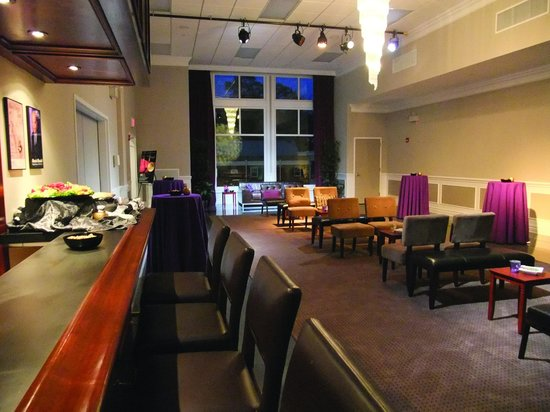 Mayo Performing Arts Center : The Starlight Lounge