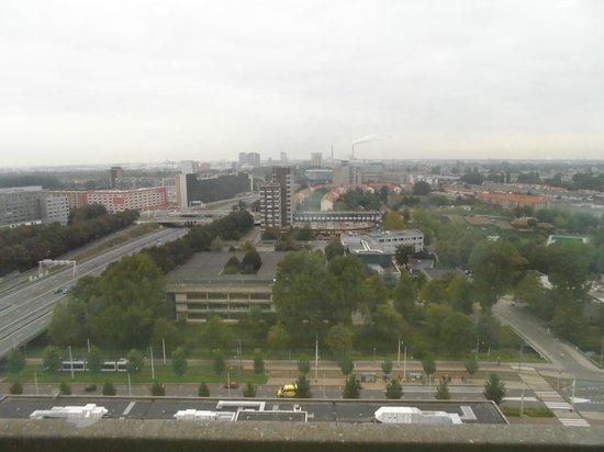 Ramada Apollo Amsterdam Centre: Vue de la chambre