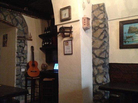 Da Ciro Taverna Napoletana: Inside