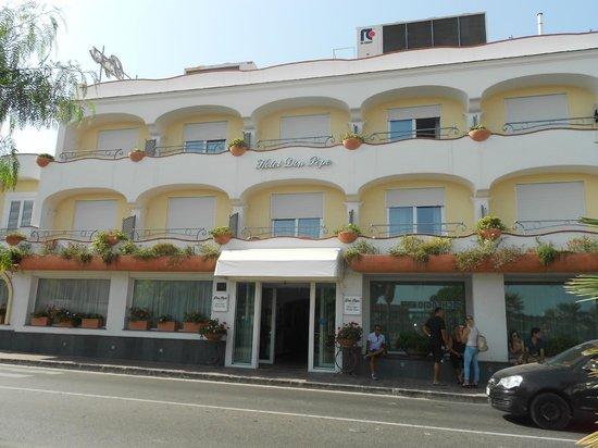 Hotel Terme Don Pepe: ingresso dell'hotel