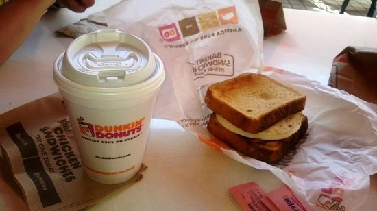 Dunkin' Donuts: Texas toast y cafe